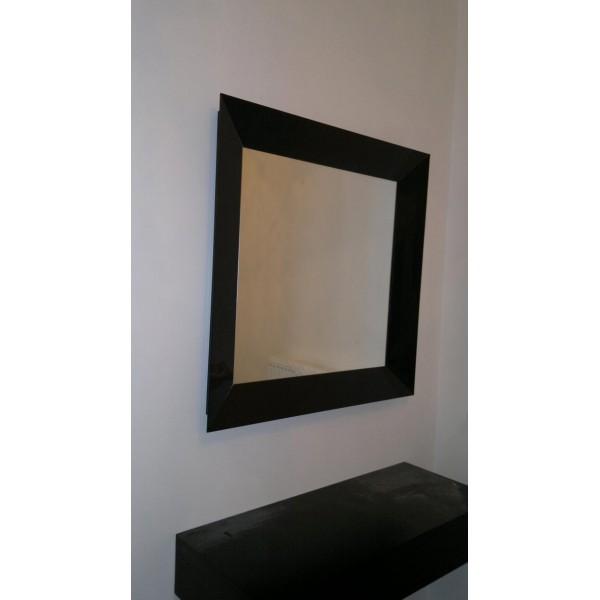 Καθρέπτης με γυάλινη μαύρη κορνίζα 04 Καθρέπτες tzamia-korobokis.gr